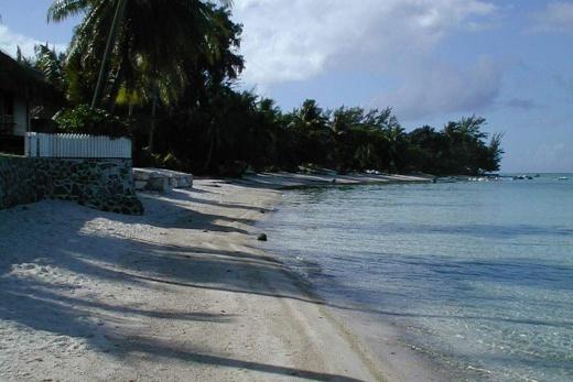Bora Bora pláž u hotelu Matira