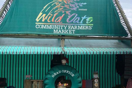 Farmářský trh Wild Oats Community Farmer&s Market