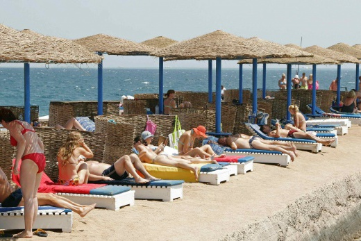 pláž sesterského hotelu Triton Empire beach