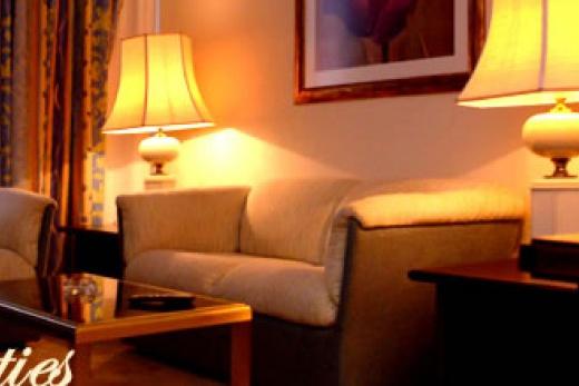 Bahia Palace Suites pokoj