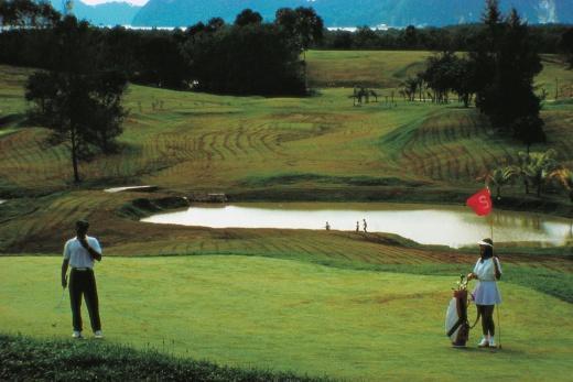 Pelangi Beach Resort golf