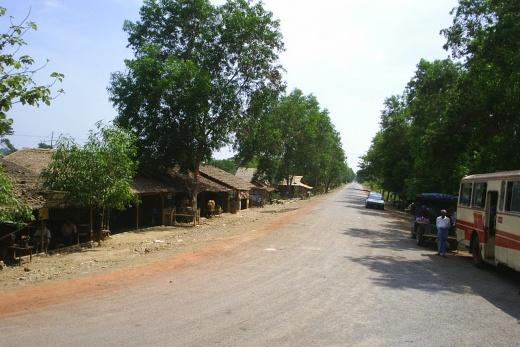 Cesta s Yangonu