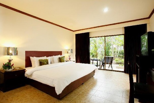Bamboo Beach Hotel And Spa