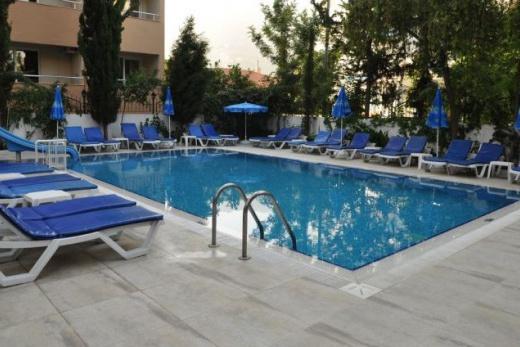 Celine Kleopatra Hotel
