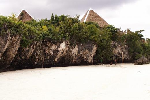 Pangalo Island Resort plaz