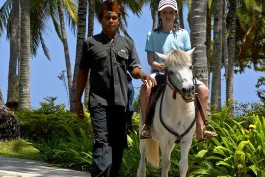 Holiday Inn-jízda na koni