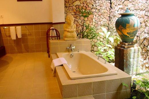 Holiday Inn-koupelna