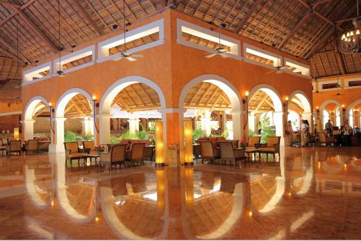 Barcelo Maya Colonial