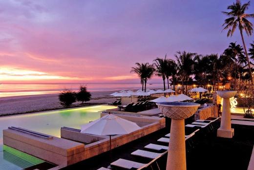 Apsara Beachfront Resort & Villas