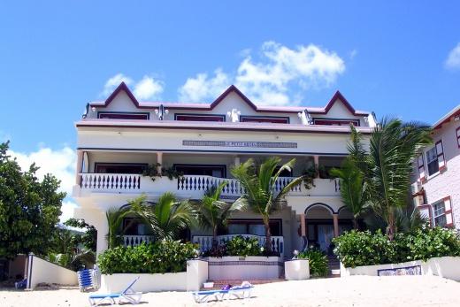 La Petit Hotel