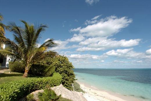 Maya Caribe Beach House by Faranda