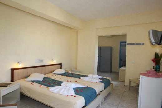 Hotel Triton Malia