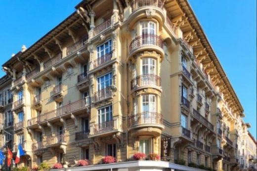 L'Hotel Massena
