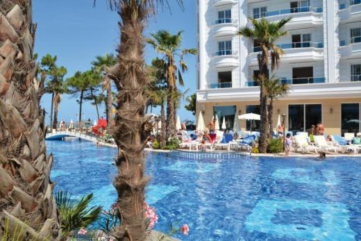 Fafa Grand Blue Hotel