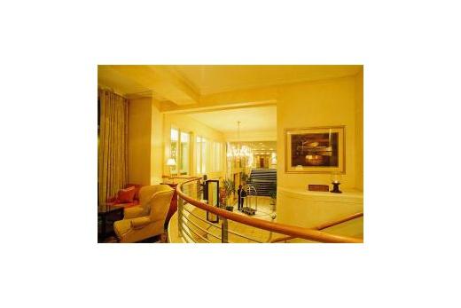 Protea Hotel Marine lobby