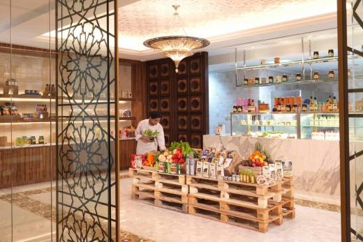 Bab Al Qasr Hotel