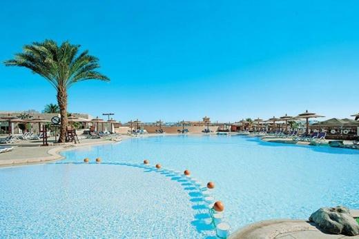 Aladdin Beach Resort 60+