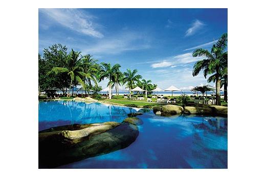 Shangr-la´ Rasa Ria Beach bazén