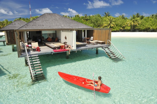 Paradise Island Resort & Spa - vodní bungalovy