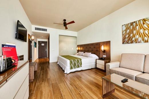 Hotel Riu Atoll